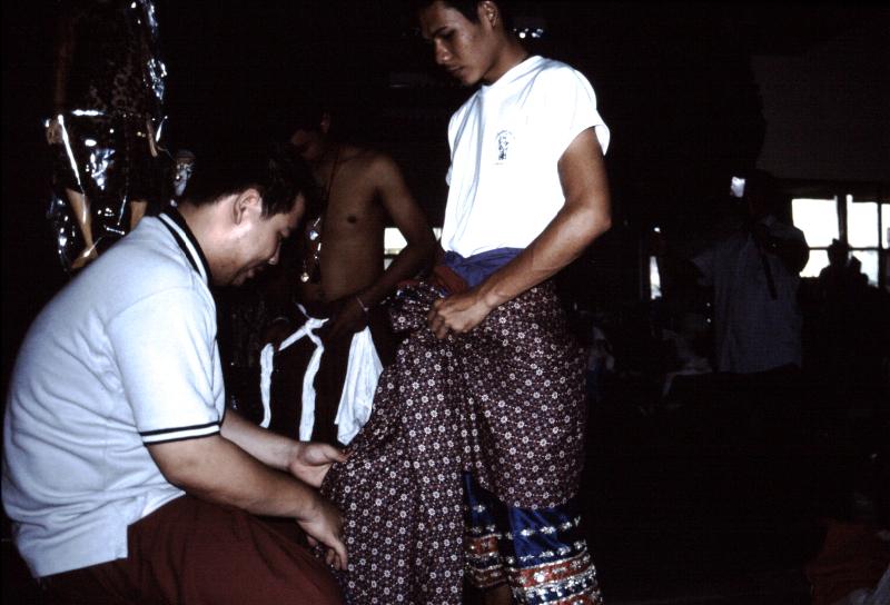 07-khon-habillage