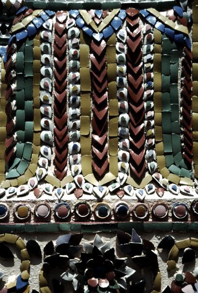 03-bouddha-demeraude-pilier