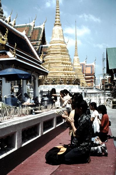 09-bouddha-demeraude-devotions