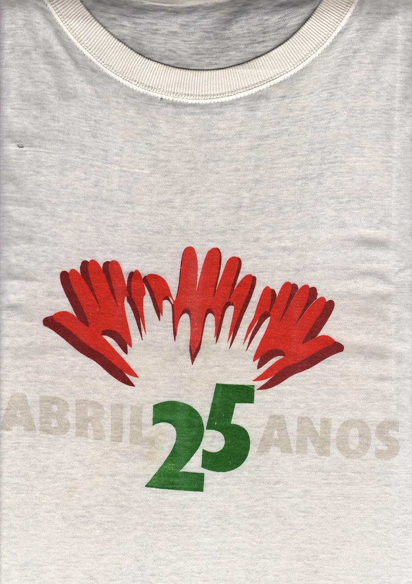 Les 25 ans du 25 avril, Tee-shirt.