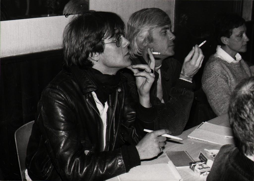 Réunion : A gauche Gilles Raverdy, assistant de Jacques Erwan, assis à sa gauche. (Droits réservés)