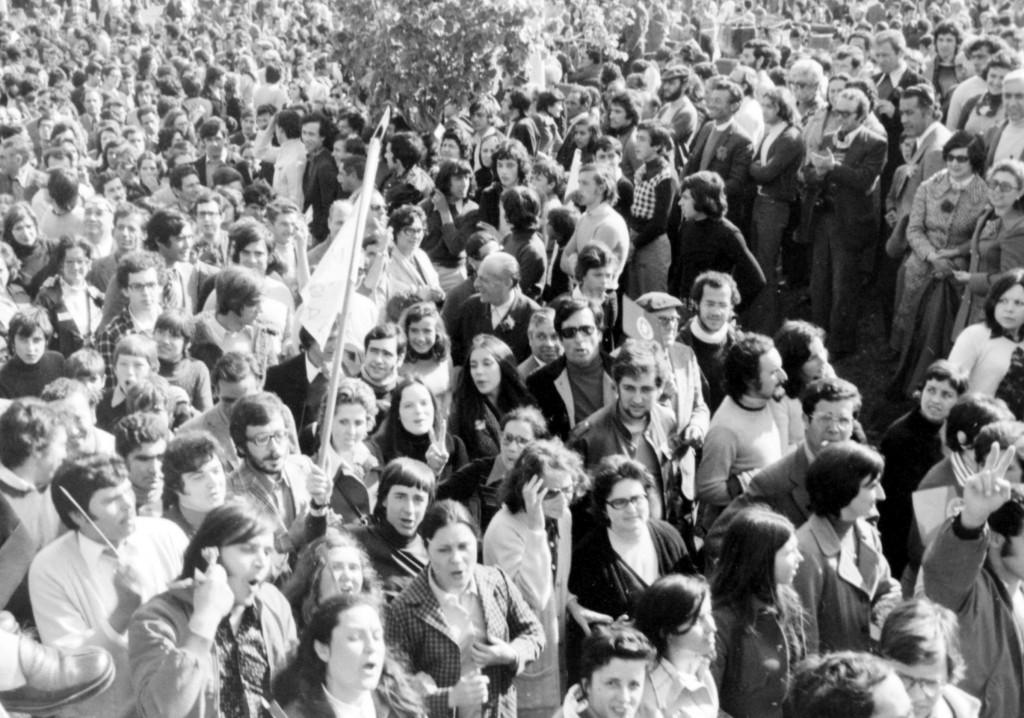 1er Mai 1974 à Lisbonne : La foule © J. Erwan