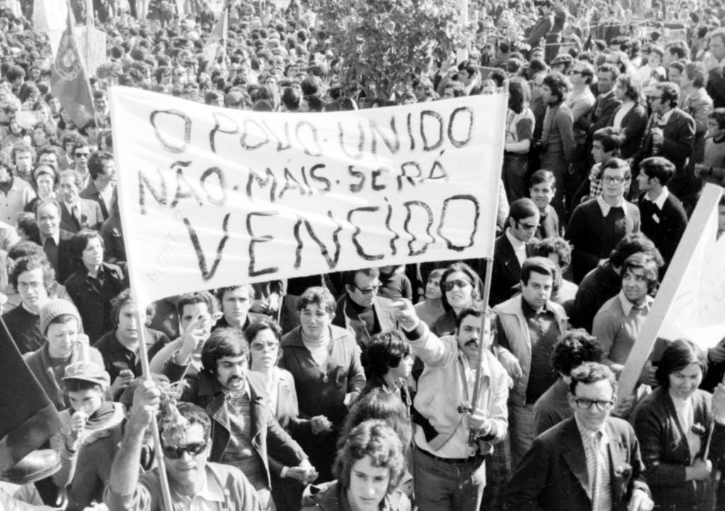 1er Mai 1974 à Lisbonne : Le peuple uni ne sera jamais vaincu © J. Erwan