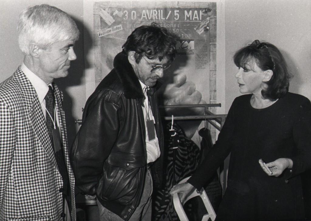 Au Printemps de Bourges 1991, de gauche à droite : Jacques Erwan, Daniel Colling (directeur) et Juliette Greco
