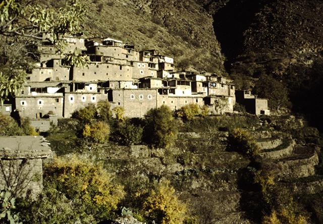 Haut-Atlas, village au-delà de Sebt Talmakant
